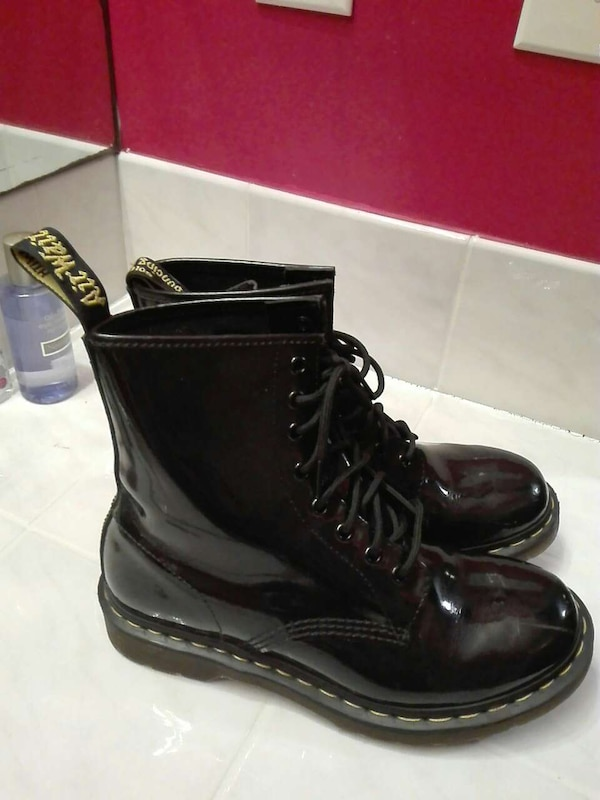 251accaa Used Doc Martens Black (Shiny) Size 8 for sale in Harrisburg - letgo