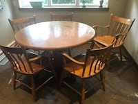 Solid pine table and 5 chairs - not veneer Toronto, M2M 1A9