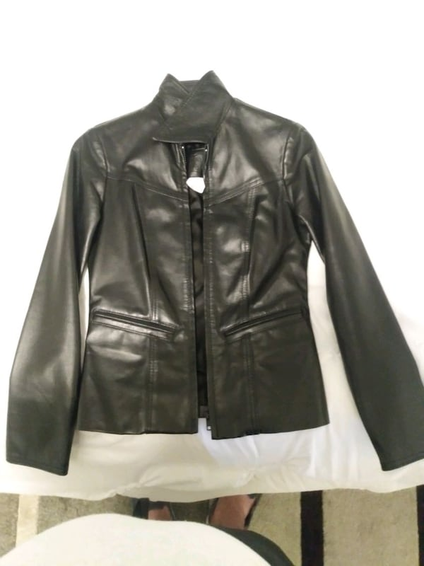 Size 0 woman's leather jacket asking for 500 OBO ae7fc9fb-da35-4640-883a-93f98679d716