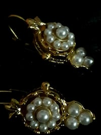 Earrings   London, N6J 4H4