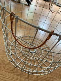 White & rose-tone/copper metal throw basket Sterling, 20164