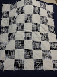 Baby toddler crib quilt, gently used, beautiful! St Catharines, L2N 2Z7