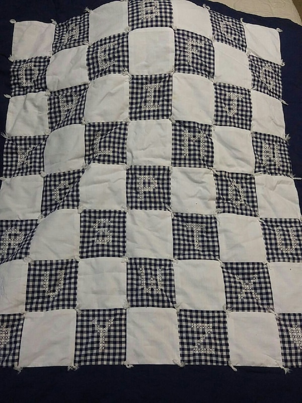 Baby toddler crib quilt, gently used, beautiful!
