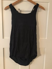 Lululemon tank top with build in sports bra  Victoria, V8X