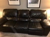 Black leather sofa with dual recliners Columbus, 43110