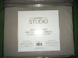 Home Studio Queen Fitted Bed Sheet Taupe New in Package