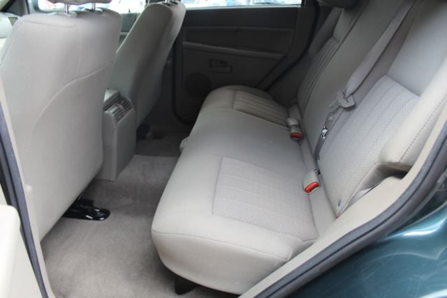 Used 2005 Jeep Grand Cherokee for sale c3328bbd-9e7f-4bc6-b6b0-b07eae0727ee