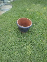 Flower pot good condition Brown