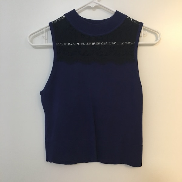 NWOT blue top with  lace - Size small