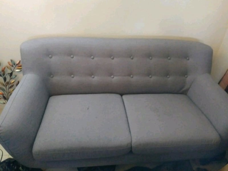 Couch bc1986c6-8a80-4970-8df0-5edc302d0d5a