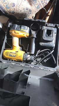 DeWalt cordless hand drill with charger 2239 mi