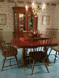 brown wooden dining table set Lansdale, 19446
