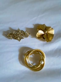 3 Gold Brooches/Pendant