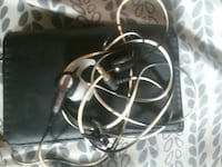 black and white earbuds