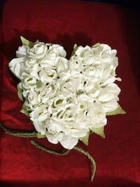 Heart shaped flower arrangement Mississauga, L5M 0A5