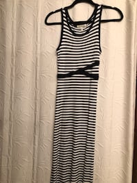 Navy and white maxi dress size small Aurora, L4G 6R5