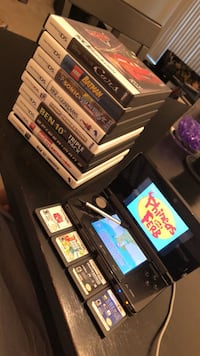 Nintendo 3DS + all games in photo