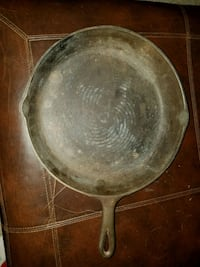 12 1/2 inch Cast Iron fryer pan West Grove, 19390