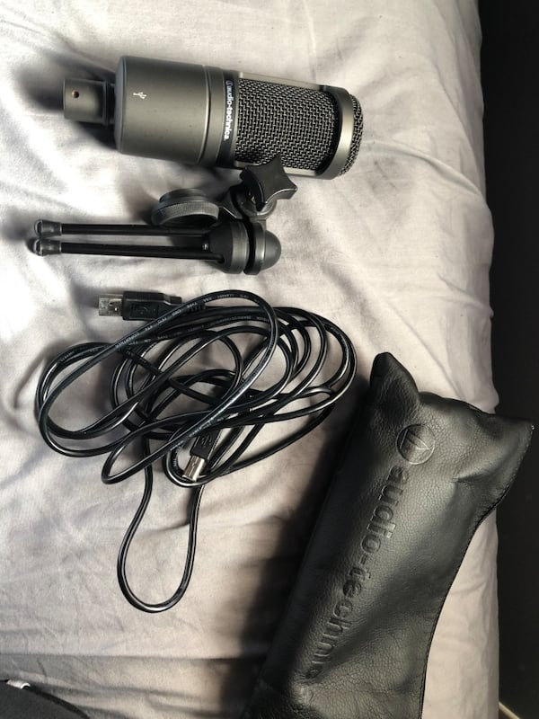 AT2020 (early) Audio Technica USB Mic 1