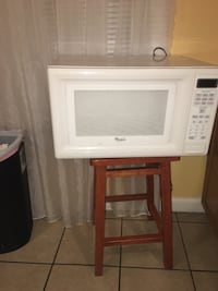 Whirlpool microwave good condition  Pueblo