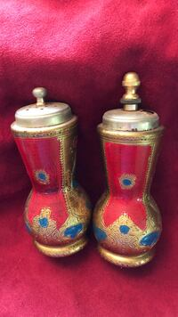 two brown-and-blue ceramic vases Kingsport, 37660