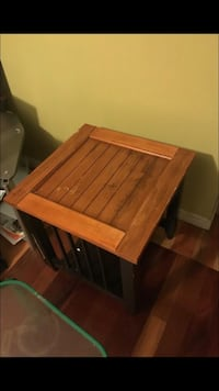 Brown wooden end table Lincolnton, 28092