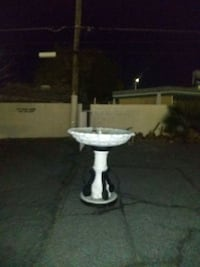 Bird bath fountain pump included delivery available