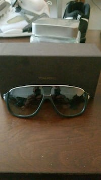 Authentic Tom Ford Sunglasses Victoria, V8R 4N2