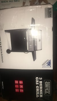 Brand new 3 burner bbq still in box  3732 km