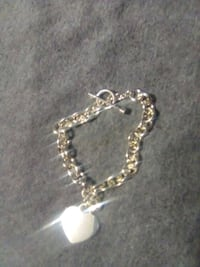 Sterling silver bracelet with heart pendant Youngstown, 44514