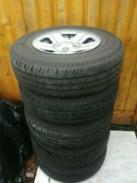 Jeep rims and tires for sale price negotiable. Vancouver, V5K 5C4