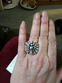 Spider Web Ring Burlington, 52601