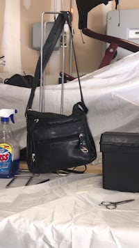 black leather 2-way handbag Visalia, 93291