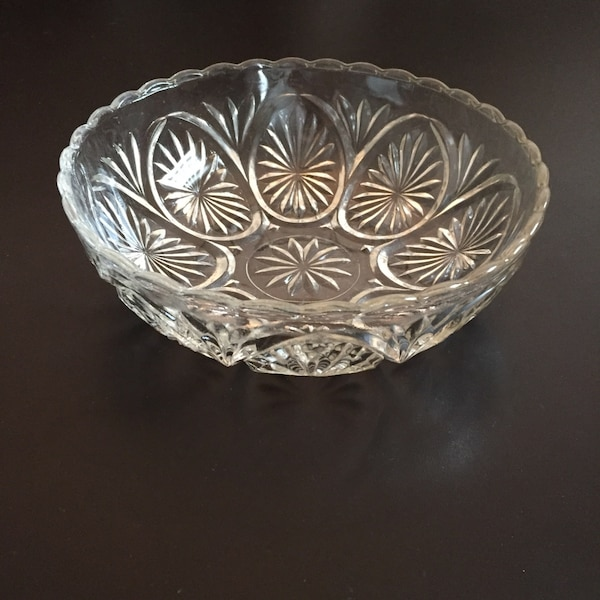 "8""w Vintage Bowl; Anchor Hocking Pressed Glass"