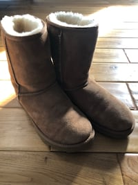Brown uggs  Forest Hill, 21050