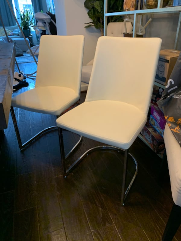 Dining Chairs $25 each 0
