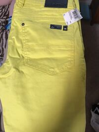 New yellow Buffalo denim pants Victoria, V8T 2G1