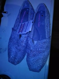 pair of purple Toms slip-on shoes Acworth, 30102