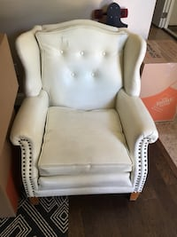 white leather tufted sofa chair Tracy, 95377