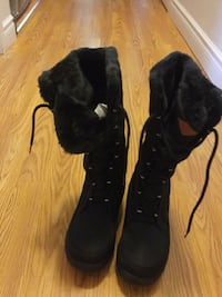 Woomen boots size 7 Laval, H7N 4A1