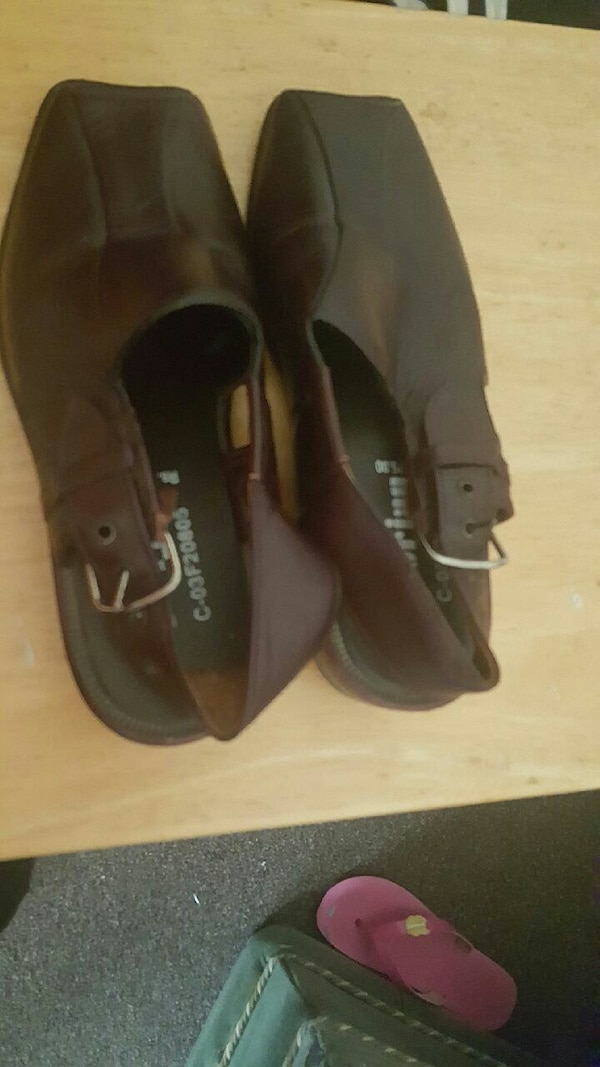 39928d61c14d Used men s pair brown leather shoes for sale in Bradford - letgo