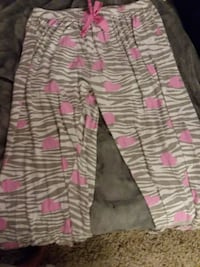 white and pink floral pants Shelbyville, 37160