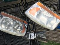 Set of Headlight  L/R side, off of a 06 Dodge Ram 1500 Waynesboro