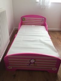 pink and green wooden bed frame Leeds, LS8 3HE