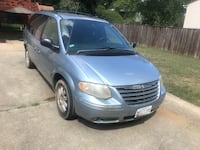 Chrysler - Town and Country - 2005 Suitland