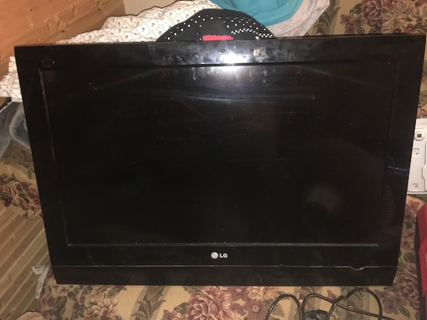 "32"" LG HD  flat screen tv"
