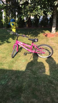 Girls pink mountain bike good for 7-11 year olds triumph 6 gears Mission, V2V 7R6