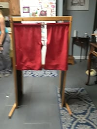 Kids puppet show stage