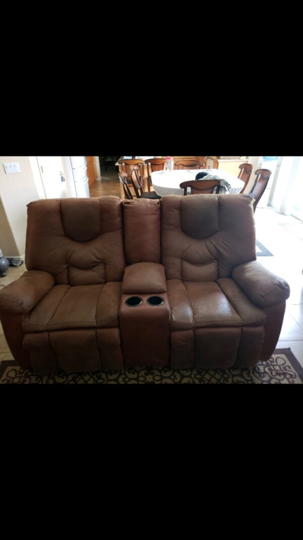 brown leather 3-seat recliner