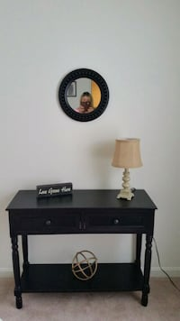 Entryway / Hallway / Accent Table Front Royal, 22630
